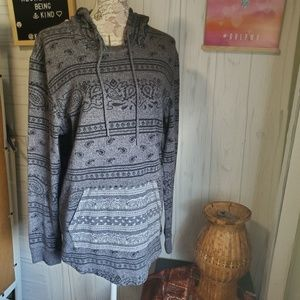 On The Byas Lightweight Hoodie. Paisley aztec L